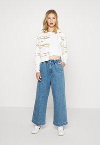 Monki - LIZETTE TROUSER - Relaxed fit jeans - blue medium - 1
