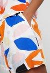 Monki - HEIDI - Shorts - blue/orange/pink