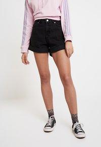 Monki - TALLIE  - Jeansshorts - washed black - 0