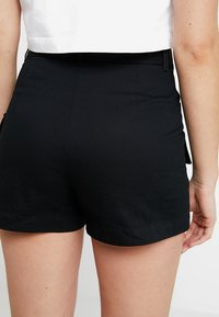 Monki - CHERRY - Short - black - 4