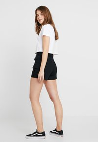Monki - CHERRY - Short - black - 2