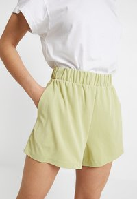 Monki - ALMA - Shorts - lime - 5