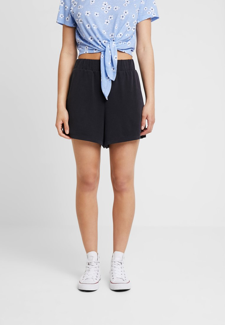 Monki - ALMA - Shorts - black