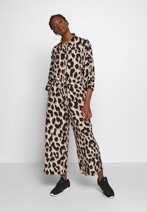 HARRIOT - Tuta jumpsuit - beige/black