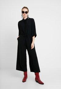 Monki - HARRIOT - Tuta jumpsuit - black - 1