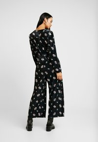 Monki - JEYJEY - Jumpsuit - black - 2
