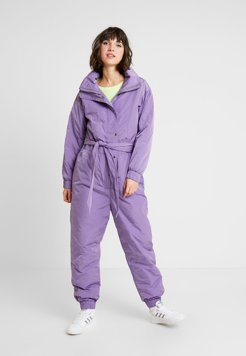Monki - SKY OVERALL - Overal - purple
