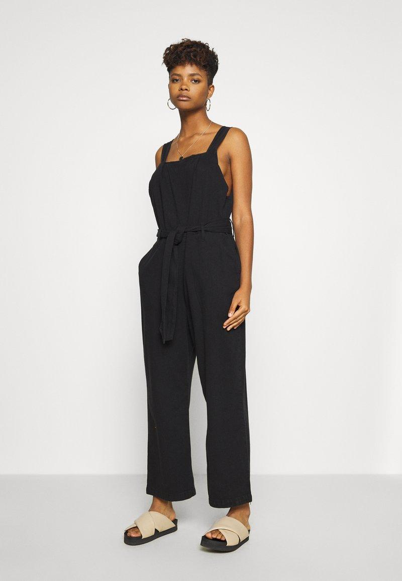 Monki - HAY UNIQUE - Jumpsuit - black