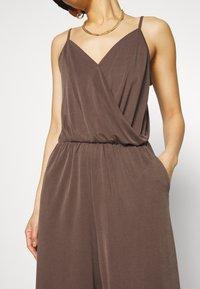 Monki - LINA - Overal - brown dark - 6