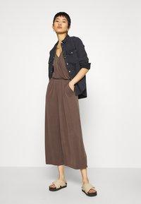 Monki - LINA - Overal - brown dark - 1