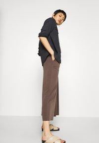 Monki - LINA - Overal - brown dark - 4