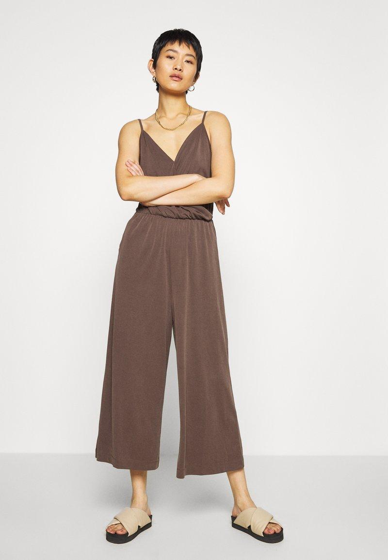 Monki - LINA - Overal - brown dark