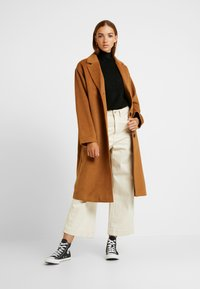 Monki - JULIA COAT - Kåpe / frakk - brown - 1