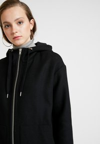 Monki - LEMON HOODED COAT - Abrigo - black dark - 5