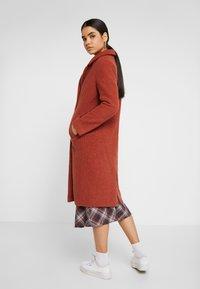 Monki - LOU COAT - Zimní kabát - dark red - 2