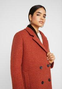 Monki - LOU COAT - Zimní kabát - dark red - 5