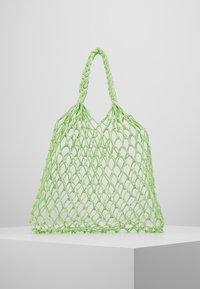 Monki - NICOLE BAG UNIQUE - Torba na zakupy - green - 0