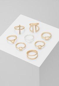 Monki - LUKA 8 PACK - Ringe - gold-coloured - 0