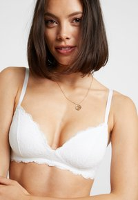 Monki - HANNE BRA - Triangel-BH - white - 4