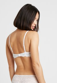 Monki - HANNE BRA - Triangel-BH - white - 2