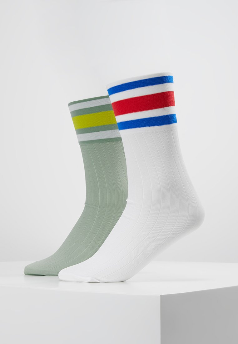 Monki - FANCY SPORT SOCK 2 PACK - Calcetines - white/green