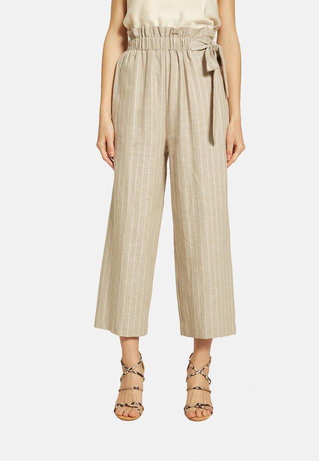 MIT LUREX-STREIFEN - Pantaloni - beige