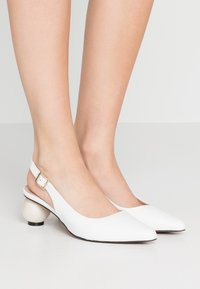 Mother of Pearl - FELICITY - Pumps - white - 0