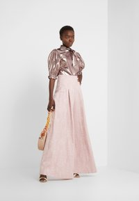 Mother of Pearl - PLEATED FRONT TAILORED TROUSER - Bukser - pink - 1
