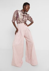 Mother of Pearl - PLEATED FRONT TAILORED TROUSER - Bukser - pink - 3