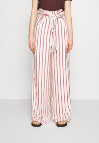 Mother of Pearl - WIDE LEG TROUSER WITH TIE BELT - Stoffhose - red - 0