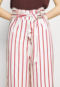 Mother of Pearl - WIDE LEG TROUSER WITH TIE BELT - Stoffhose - red - 5