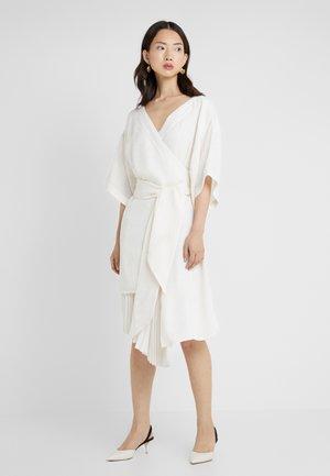 IZZY - Vestito elegante - ivory pasely