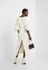 Mother of Pearl - VNECK DRESS WITH PUFF SLEEVE - Iltapuku - ivory - 1
