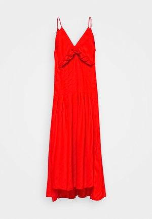 CAMI DRESS WITH PLEAT DETAIL - Długa sukienka - orange