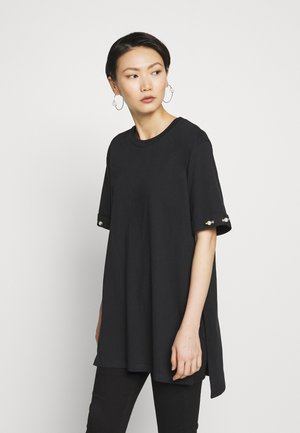 OVERSIZED PEARL BAR SLEEVE - T-shirt con stampa - black