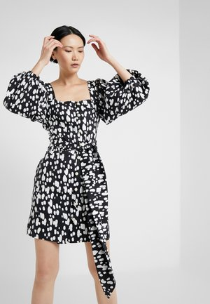 TIE WAIST DRESS WITH FULL SLEEVE - Denní šaty - dapple