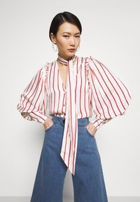 Mother of Pearl - BLOUSE WITH PUFF SLEEVE AND NECK TIE - Bluse - red stripe - 3