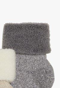 MP Denmark - ELIZABETH BABY 2 PACK - Ponožky - grau/beige - 3