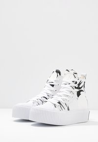 McQ Alexander McQueen - PLIMSOLL PLATFORM  - Baskets montantes - white/black - 4