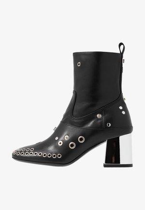 PHUTURE BOOT - Cowboy/biker ankle boot - black