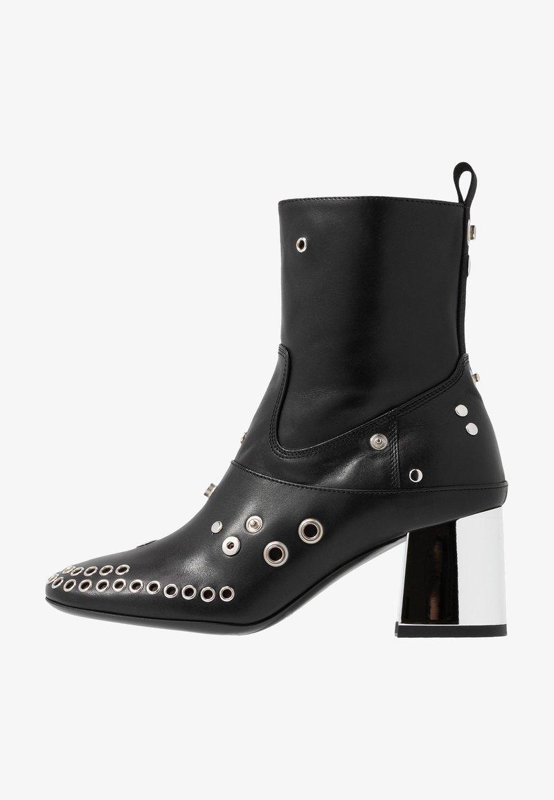 McQ Alexander McQueen - PHUTURE BOOT - Cowboy-/Bikerstiefelette - black
