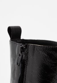 McQ Alexander McQueen - PHUTURE BOOT - Classic ankle boots - black - 2