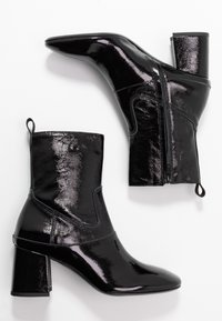 McQ Alexander McQueen - PHUTURE BOOT - Classic ankle boots - black - 3