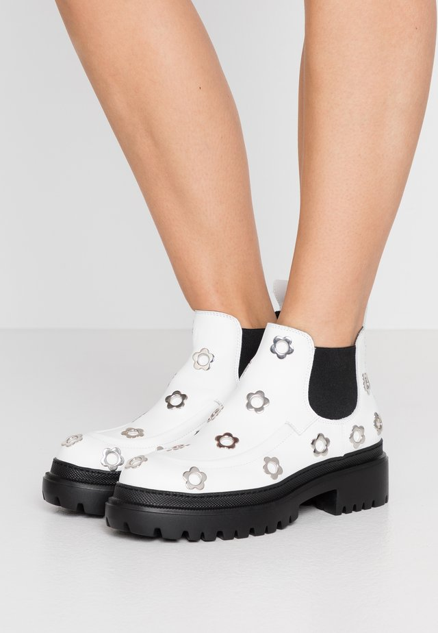 IMPACT CHELSEA - Ankle boots - white