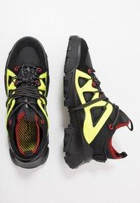McQ Alexander McQueen - ORBYT MID - Sneakers laag - black/neon/multicolor - 1