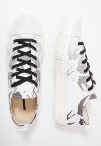 McQ Alexander McQueen - Nazouvací boty - white - 1