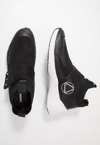 McQ Alexander McQueen - Høye joggesko - black - 1