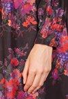 McQ Alexander McQueen - LONG PLEATED DRESS - Freizeitkleid - darkest black