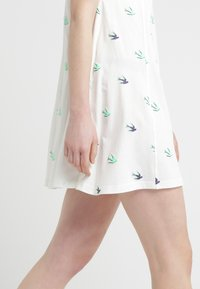 McQ Alexander McQueen - FRESH CUT BABYDOLL - Jersey dress - ivory - 4