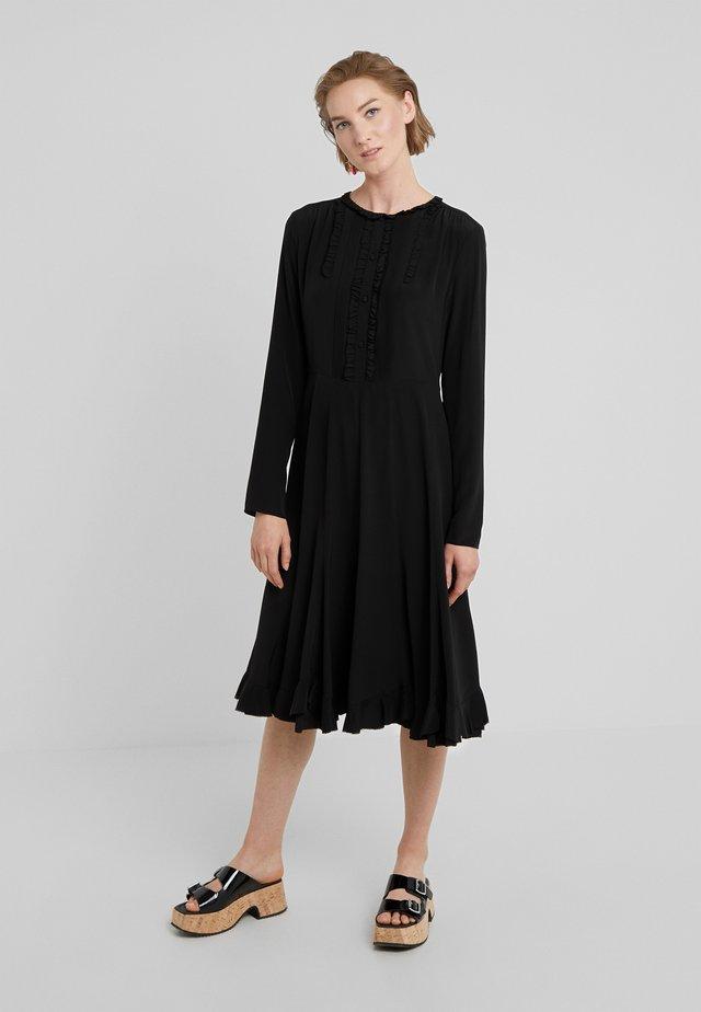PANELLED MIDI DRESS - Blusenkleid - black